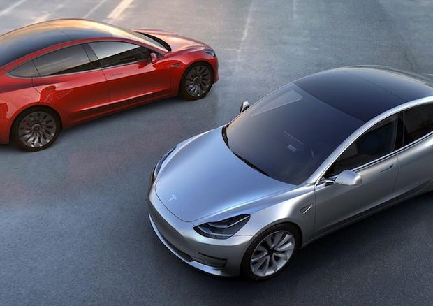 La Tesla Model 3 tra le nomination di Auto dell'anno 2020 © ANSA