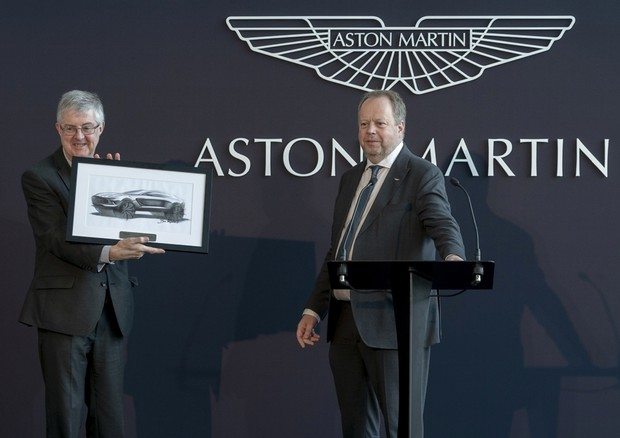 Aston Martin apre nuovo stabilimento di St Athan in Galles © Aston Martin Press